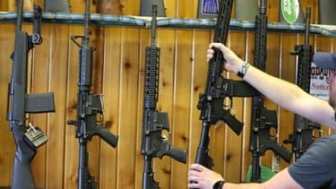 Des fusils semi-automatiques AR-15, comme celui utilisé pendant la fusillade de Parkland, le 15 février 2018 dans un magasin en Utah. - George Frey - Getty Images North America - AFP