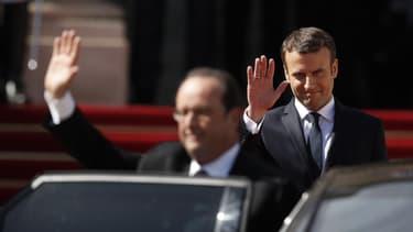 L'ancien Président François Hollande à son départ de l'Elysée, le 14 mai 2017, escorté par son successeur Emmanuel Macron.