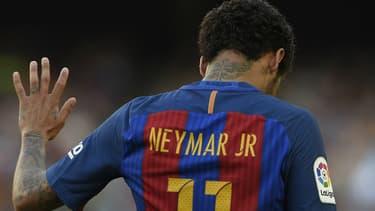 La star mondiale du foot Neymar devrait intégrer le PSG, détenu par un fonds qatari, d'ici à la fin de la semaine.