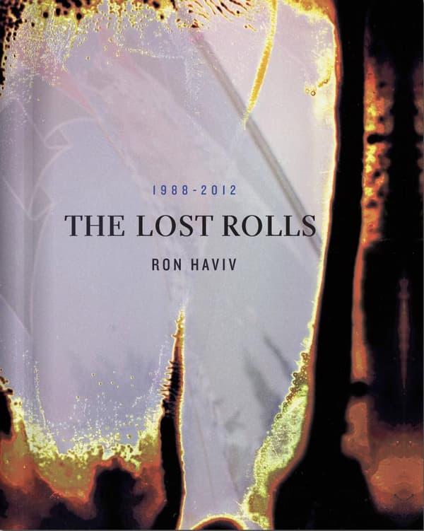 """La couverture de """"The Lost Rolls"""" de Ron Haviv."""