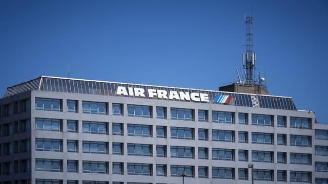 Le patron d'Air France KLM, Benjamin Smith doit nommer un directeur général chez Air France.