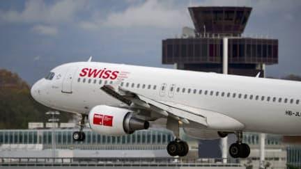 Un avion de la compagnie aérienne Swiss International Air Lines, le 12 novembre 2012 à Genève.