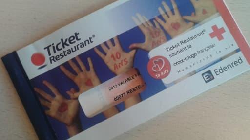 Les tickets restaurant papier pourraient bientôt être remplacé par des cartes à puces ou même un simple code sur téléphone.