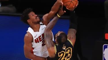 Le contre de Butler face à LeBron James