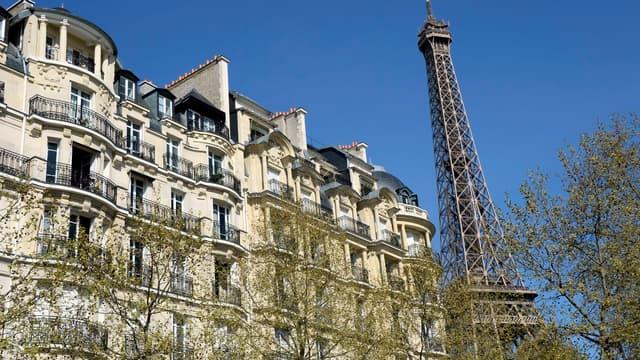 Le préfet Thomas Degos occupe un luxueux logement à Paris.