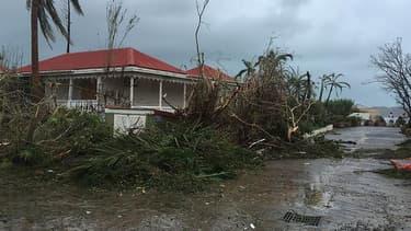 """L'estimation de la CCR """"recouvre les dommages aux habitations, aux véhicules et aux entreprises"""" couverts par le régime d'indemnisation des catastrophes naturelles."""