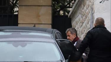 Nicolas Sarkozy quitte son bureau à Paris pour prendre la direction du tribunal en vue du procès Bygmalion, le 17 mars 2021