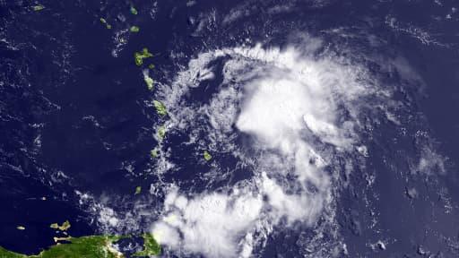 La tempête tropicale Bertha, ici vendredi au dessus de la Martinique, s'est transformée lundi en ouragan à l'approche des Etats-Unis.