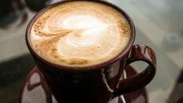 Pour la moitié de la population, le café n'empêche pas de dormir.