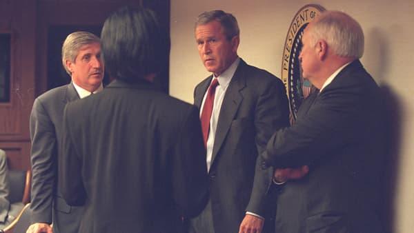 George W. Bush à son arrivée dans les sous-sols de la Maison-Blanche