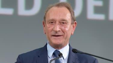 Cinq adjoints de Bertrand Delaoë habitent des logements sociaux, révèle Mediapart.