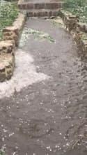 Dans le Puy-de-Dôme, les chutes de grêle causent des inondations - Témoins BFMTV