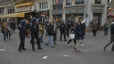 Deux gendarmes ont été blessés lors de ces affrontements entre forces de l'ordre et supporters.
