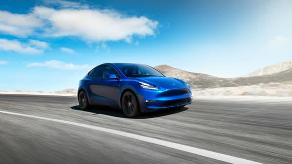 Le Tesla Model Y se présente comme un SUV de taille moyenne et 100% électrique bien sûr.