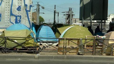 Paris: un bidonville à deux pas de Montmartre