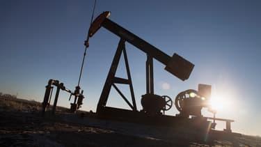 Surproduction, inaction de l'OPEP, retour de l'Iran... Dans un marché où rien ne semble ni freiner ni arrêter la baisse des cours du pétrole, les marchés se préparent à des scénarii extrêmes.
