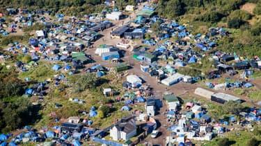 """La """"Jungle"""" de Calais photographiée le 22 février 2016. (image d'illustration)"""