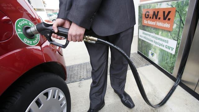 Carburant propre, le GNV n'est disponible que dans peu de stations et utilisable par très peu de modèles. (image d'illustration)