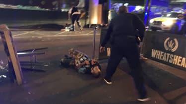 A Londres, l'attaque terroriste a fait au moins six morts.