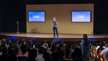 Mark Zuckerberg lors d'une séance de questions réponses en Inde au mois d'octobre 2015.