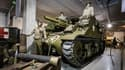 Au programme de la vente, un tank M4 Cadillac de 1942, une Jeep MB de 1944, un bulldozer Caterpillar D-8 de 1943, mais aussi des mannequins de résistants, de tankistes ou de pilotes de l'US Navy.