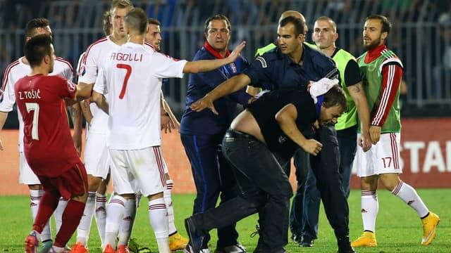 Serbie-Albanie, des images qu'on ne souhaite plus voir dans un stade.