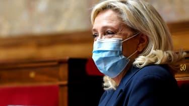La présidente du Rassemblement national Marine Le Pen, le 20 novembre 2020 à Paris