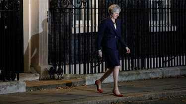 Theresa May devant le 10 Downing Street à Londres.