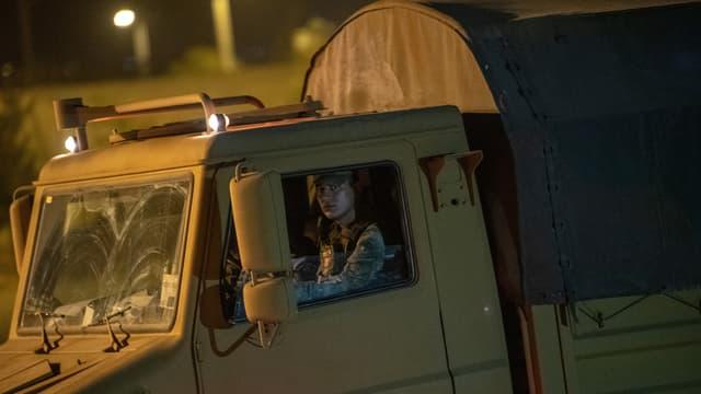 Un camion de l'armée turque le 8 octobre 2019 à Akçakale en Turquie, près de la frontière syrienne.
