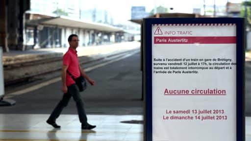 Les quais vides de la Gare d'Austerlitz à Paris le 13 juillet 2013.