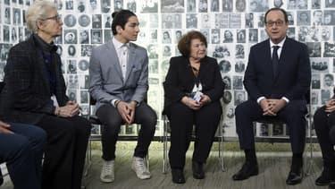 François Hollande a rencontré cinq rescapés et cinq jeunes Juifs mardi au mémorial de la Shoah.