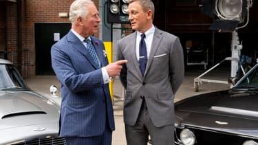 """Le prince Charles et Daniel Craig sur le plateau de """"James Bond 25"""""""