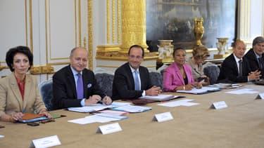 Jean-Marc Ayrault dévoilera vendredi les ministères les plus touchés par les économies