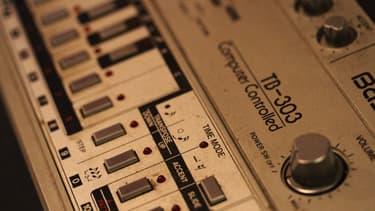 La TB-303, l'une des machines les plus célèbres de Roland.