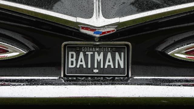 Quelles voitures récentes Batman et Superman pourraient conduire à la ville? En voici certaines...