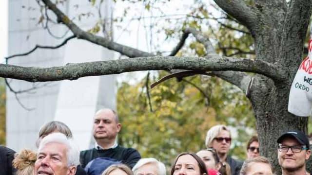 Manifestation contre une proposition de loi bannissant l'avortement à Varsovie en Pologne le 1er octobre 2016. -