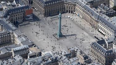 De nombreux joailliers de luxe sont installés place Vendôme.