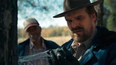 """David Harbour alias Jim Hopper dans la deuxième saison de """"Stranger Things"""""""