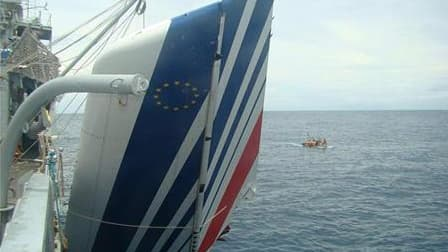 Un morceau de l'épave du vol AF447 entre Rio et Paris sorti de l'océan en juin 2009. Une quatrième campagne de recherches de l'épave, dont seuls des débris ont été retrouvés, débutera fin mars avec l'objectif de retrouver les boîtes noires et mieux compre
