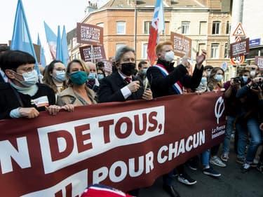 Jean-Luc Mélenchon en tête du cortège de LFI pour le 1er-Mai à Lille