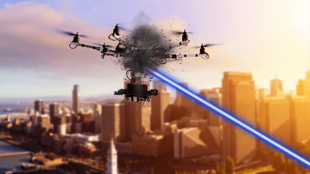 Lors des essais, les tirs ont permis de détruire des drones volant à des vitesses supérieures à 50 km/h et dans des conditions de poursuite de cibles difficiles
