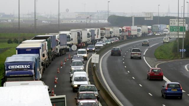 Les fédérations patronales du transport routier refusent de se rendre à la table des négociations.
