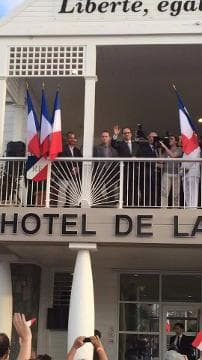 Visite de François Hollande aux Antilles - Témoins BFMTV