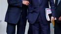 François Fillon et Pierre Lellouche, le secretaire d'Etat aux Affaires européennes, à la sortie du premier conseil des ministres de la rentrée, à l'Elysée. Nicolas Sarkozy a demandé mercredi à ses ministres de redoubler d'ardeur pour affronter les sujets