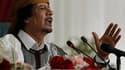 """Le colonel Mouammar Kadhafi exclut tout changement politique en Libye s'il parvient à reconquérir les régions toujours contrôlées par les insurgés et il entend rester le """"guide de la révolution"""" dans son pays, a-t-il dit dans un entretien au quotidien Le"""