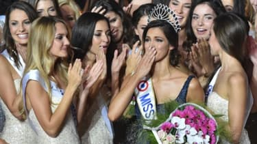 Miss France 2016 au moment de son couronnement
