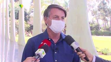 Jair Bolsonaro, président du Brésil, annonce avoir été testé positif au Covid-19