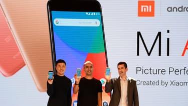 En dehors des smartphones, Xiaomi conçoit aussi des objets électroniques connectés : télévision, drones et mêmes des robots-aspirateurs.