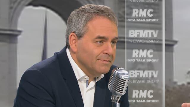 Le candidat LR Xavier Bertrand sur le plateau de BFMTV-RMC le 23 octobre 2015.