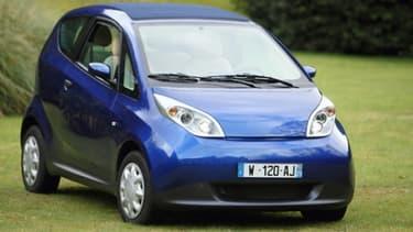 Bolloré va vendre des véhicules aux entreprises